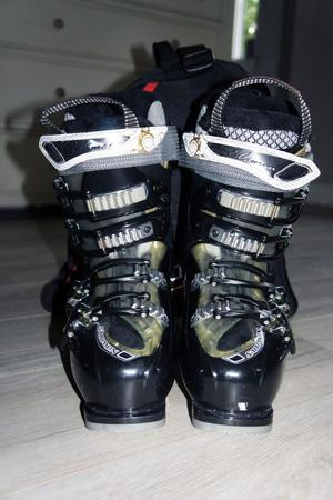 Ladies Salomon Ski Boots Size 22.0 custom fit. Great condition, worn for one day