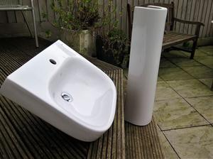 Roca Basin and Pedestal for sale. New Condition