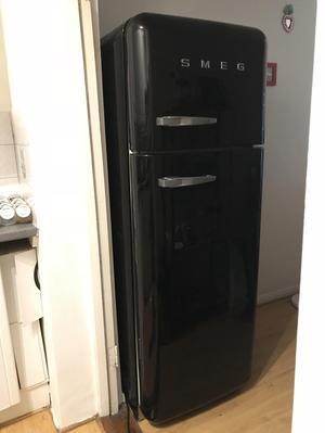 SMEG Fab30 fridge freezer Black
