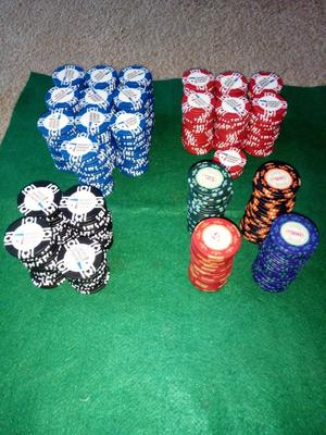 Official world poker tour and casino royal chip sets
