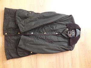 Ladies Barbour 3/4 Length Coat. Size 10 Olive Green Colour. Padded/Quilted lining Worn twice.