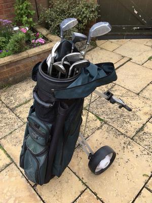 Skymax Golf clubs and Cart, good condition, ideal for new golfer!