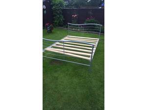 4ft 6 Double metal framed bed in Horley