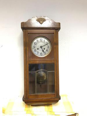 Antique oak cased pendulum clock