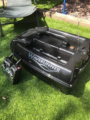 Waverunner bait boat