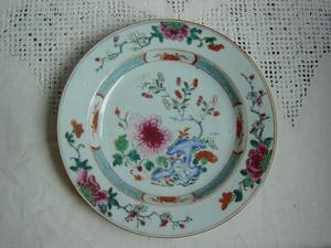 An export porcelain Famille Rose plate - China 18th century