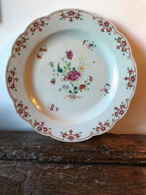Antique Chinese plate with a scalloped edge - 18th century