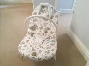 Mamas & Papas Gently Vibrating Baby Bouncer in Wokingham