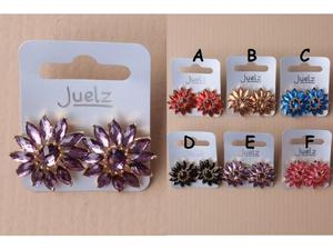 Pair of crystal flower glit flower earrings. - JTY290 in