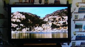 "42"" LG HD Ready TV 42PQ Built in freeview with remote"