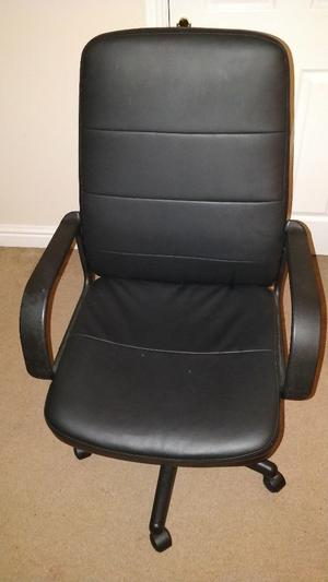 Black office chair for sale good condition