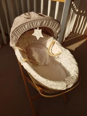 Mamas and Papas Millie and Morris moses basket and Stand