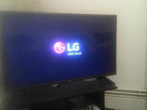 32 inch lg flat screen tv built in freeview