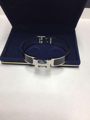 hermes clic clan bracelet, brand new, excellent quality