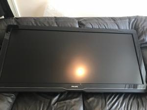 "Philips 21.9 widescreen tv 56"" with ambilight bargain price"