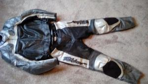 Ladies bike leathers, Fieldsheer size