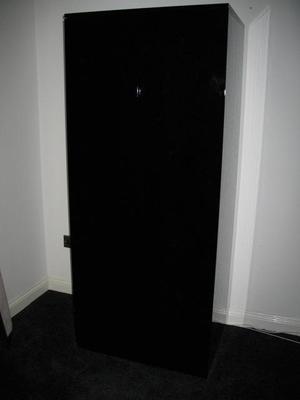 4 drawer high gloss black chest of drawers & wardrobe