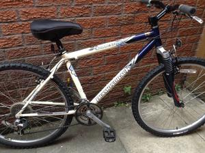 Diamond back adult 16 inch frame mountain bike excellent condition
