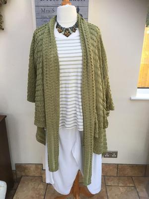 Size 24 green T shirt & cardigan/jacket. Price incls postage