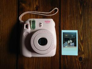 Fujifilm Instax Mini 8 Pink - with pink case
