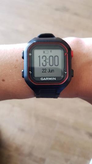 Large Garmin forerunner 25 gps watch