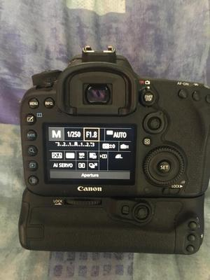 Canon 7d mk ii Dslr Camera 50mm lens bg-e16 battery grip 32gb udma mem card