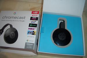 Google Chromecast 2nd generation - Boxed perfect