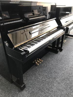 Yamaha U3 Upright Piano Piano Black with 3 Year Warranty & stool