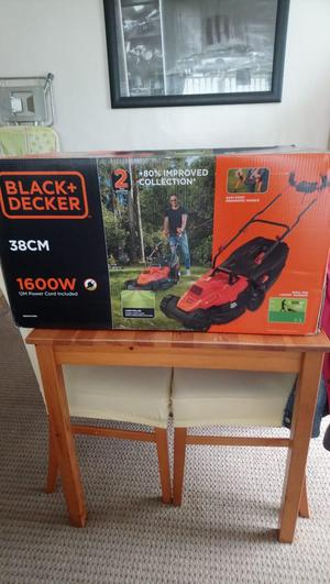 *BRAND NEW* Black and decker lawnmower