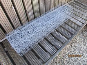 Chicken wire mesh. 25mm opening. 900mm wide x 5m long