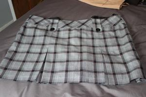 Ladies grey checked pleated mini skirt size18