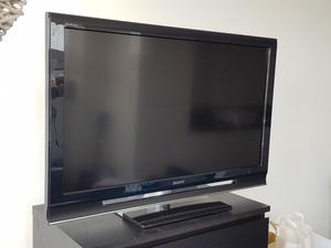 SONY 40 inch led smart tv, fully working condition.