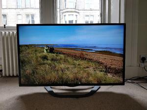 LG 42LA620V 42-inch Widescreen p Full HD Cinema 3D Smart LED TV with Freeview HD/Built-In Wi-Fi