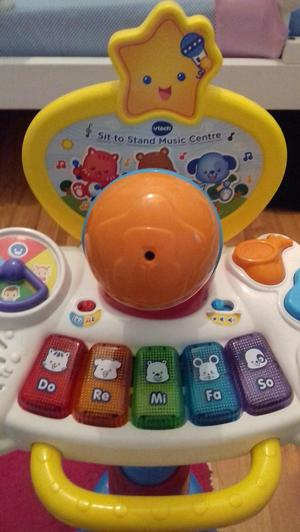 VTech Sit to Stand Music Centre - Keyboard & Microphone