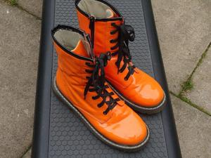 pair of size 7 boots with zip up the side