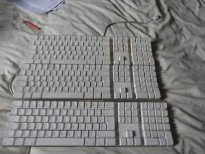 For parts or repair 3 Genuine Apple Keyboard complete with all the keys as in the picture