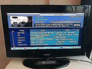 "Samsung 32"" Led Full HD, Freeview HD, Delivery"