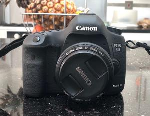 Canon 5D Mark iii + mm Lens