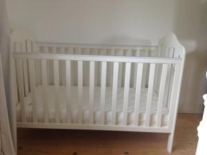 Mamas & Papas Cot/Bed in white