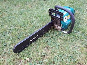 Qualcast QG PC  Petrol chainsaw 18 inch 45cm Bar