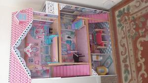 Beautiful 4ft dolls house from Early Learning Centre