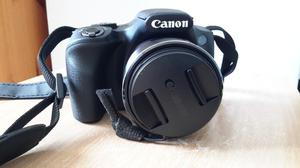 Canon Compact Digital Camera 20.3 Mega Pixels with battery, cgarger and SD Cards 2x 32GB. LIKE NEW