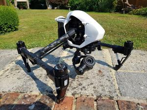 DJI Inspire 1 Pro - + Accessories, Excellent condition **low flight time**