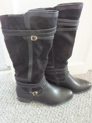 Knee high boots: brand new
