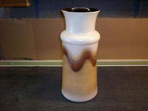 Brown/Tan Glazed pot/vase with fully glazed interior