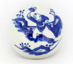 Antique Chinese porcelain lid for a jar - China - early 20th