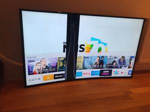 "SLIGHTLY DAMAGED curved Samsung 49"" 4K ultra Hd smart led tv.NO STAND(thick black line on screen)"