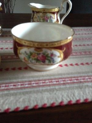 Stunning Royal Albert fine bone China. Lady Hamilton design
