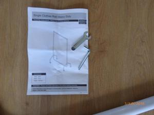 Single Clothes Rail Heavy Duty -White on casters