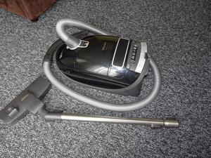 Miele Complete C3 Extreme PowerLine W Vacuum bagged cleaner